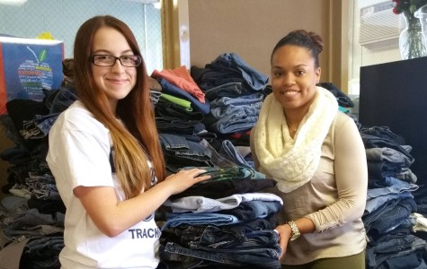 Colonia donates jeans to homeless youth