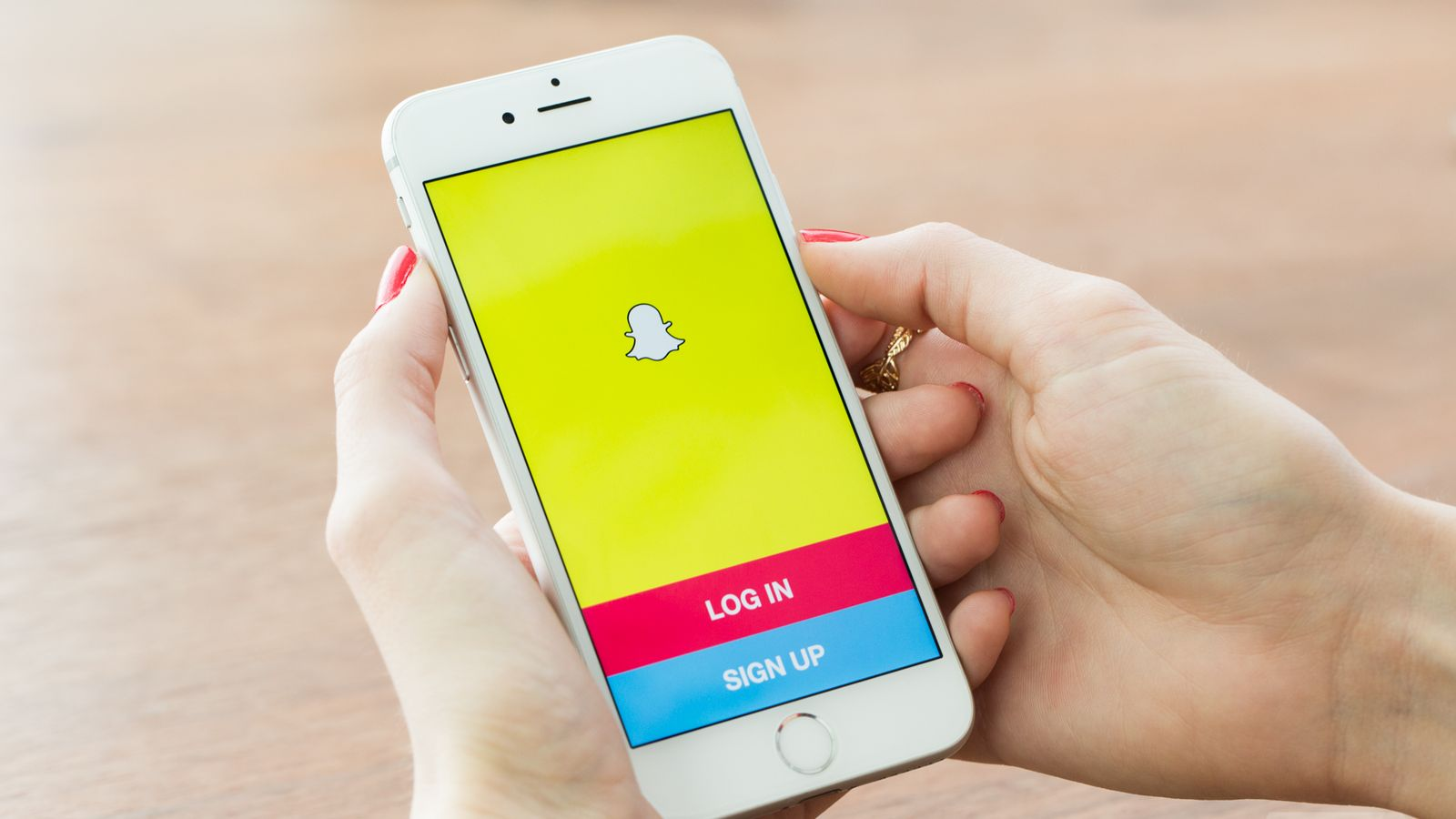 Logging into Snapchat unlocks a world of entertainment, right at the tips of your fingers!