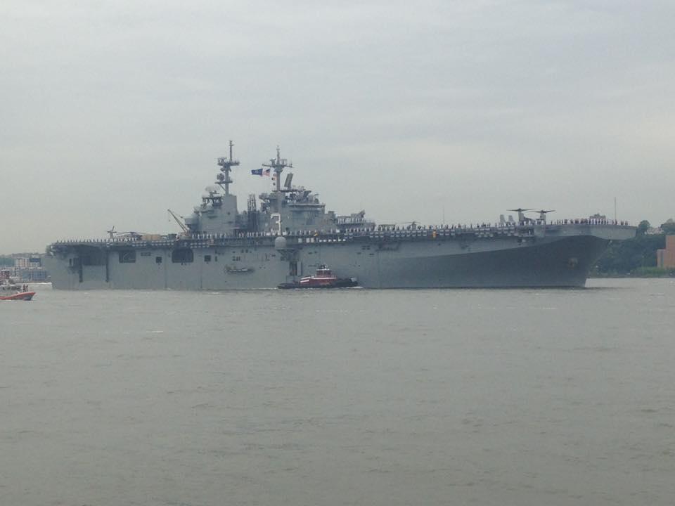 USS+Kearsarge+during+Parade+of+Ships.