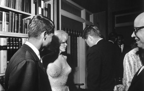"Marilyn Monroe sings ""Happy Birthday to You"" to John F. Kennedy"