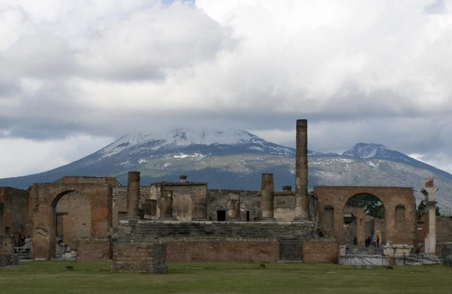 Pompeii is buried by eruption of Mt  Vesuvius - The Declaration