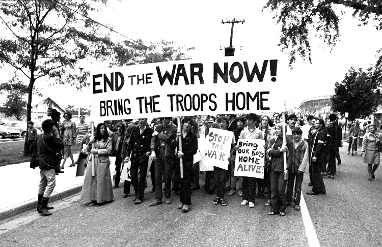 political social and economic context of the end of the vietnam war in america and vietnam Social, political and economic effects many being economic, political, and social by the end of the war most had rejected the government offer of being.