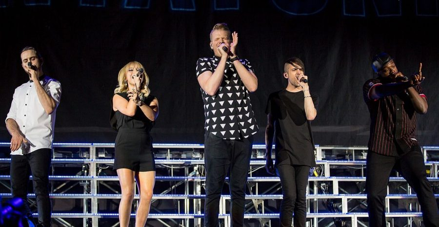 Pentatonix+singing+in+concert
