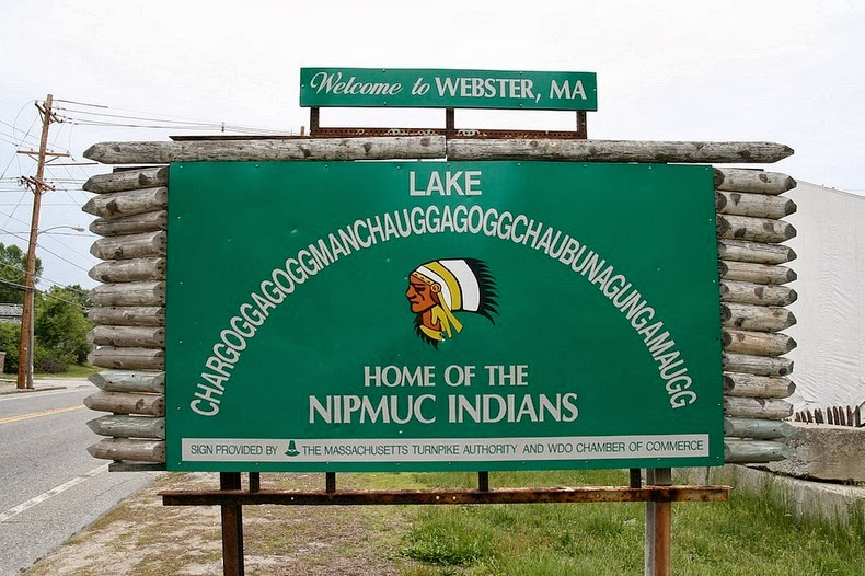 There+is+a+Native+American+lake+in+the+town+of+Webster%2C+Massachusetts+that+is+named+Chargoggagoggmanchauggagoggchuabunagungamaugg