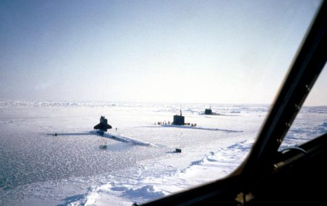 The first aircraft lands at the geographic North Pole