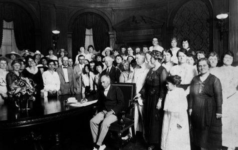 Congress passes the 19th Amendment