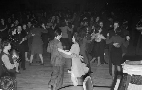 The hand jive was invented in 1957 by a group of teenagers at the Cats Basement in London. They had no room to dance so they created the hand jive to have some fun!