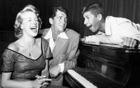 Rosemary Clooney went number one on the U.K. singles chart