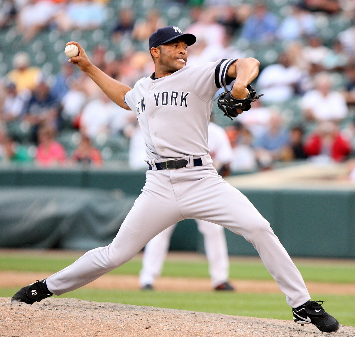 Picture of Mariano Rivera pitching against the Baltimore Orioles in 2007.