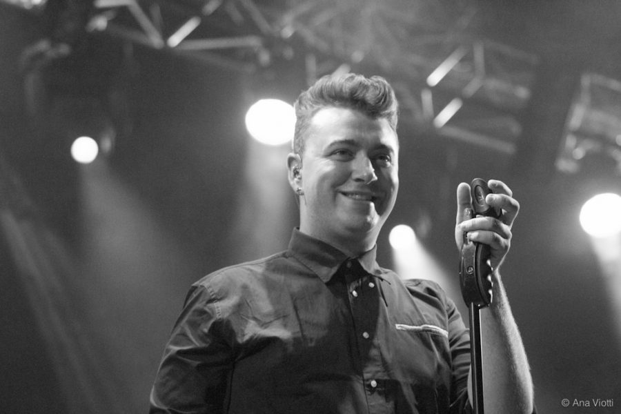 Singing Lay me Down, Sam Smith enjoys his time at the concert.