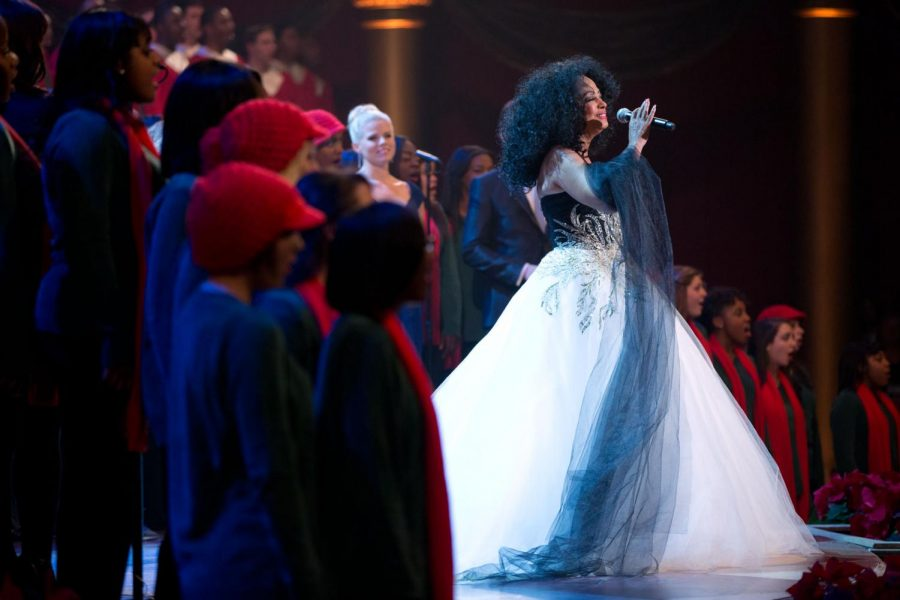 Singing Baby Love, Diana Ross performs at the White House.