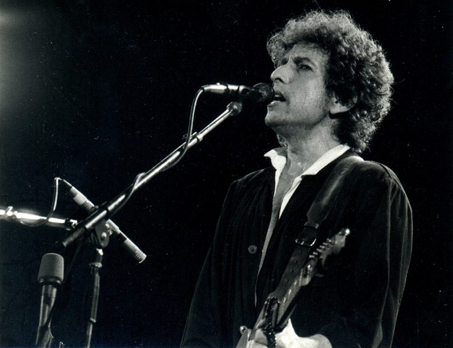 Bob Dylan is a reclaimed musical who is known for his meaningful lyrics.