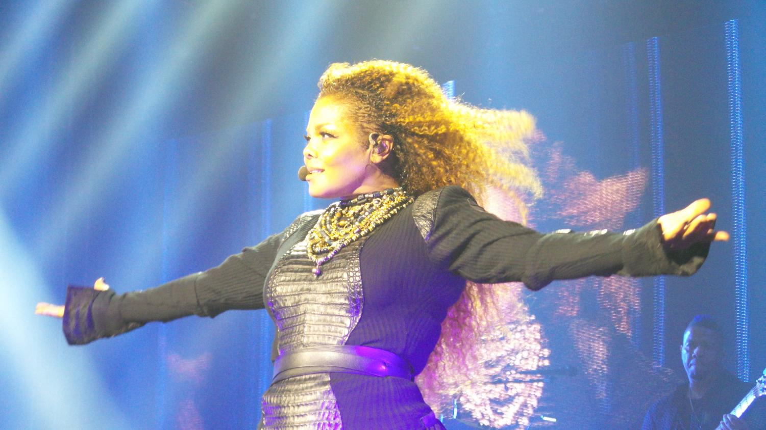Encouraging her fans to sing along, Janet Jackson sings That's The Way Love Goes.