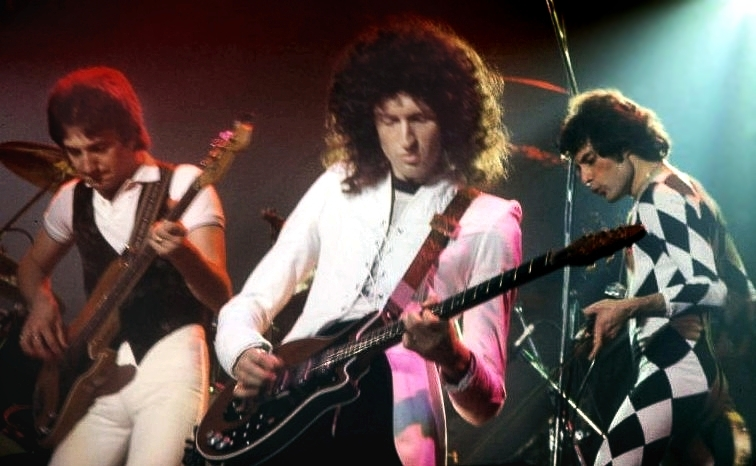 Singing Bohemian Rhapsody, Queen is ranked the best single of all time.