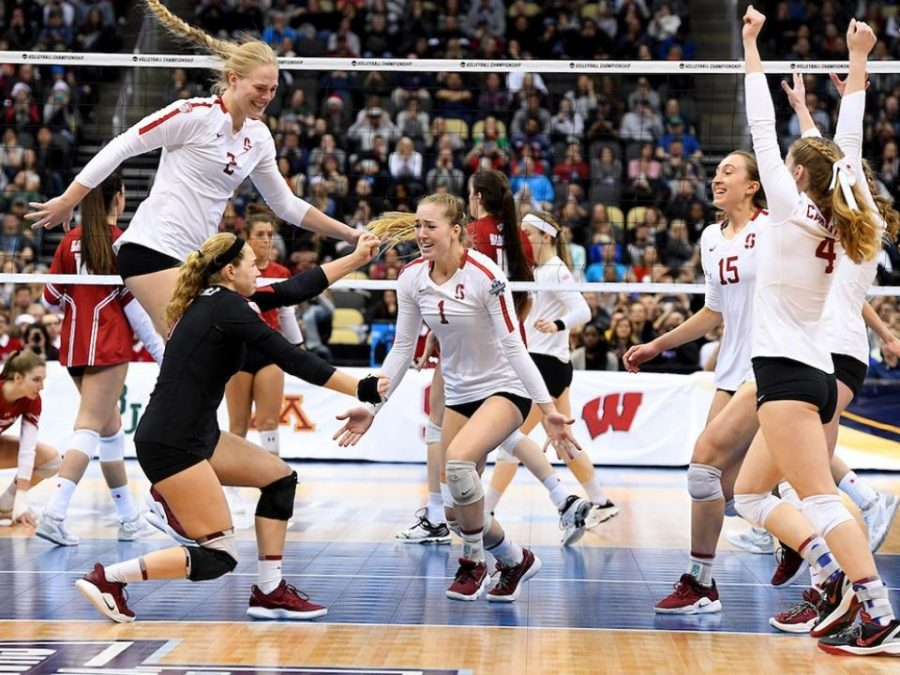 The+Stanford+volleyball+team+after+they+won+the+last+point+of+the+National+Championship.+