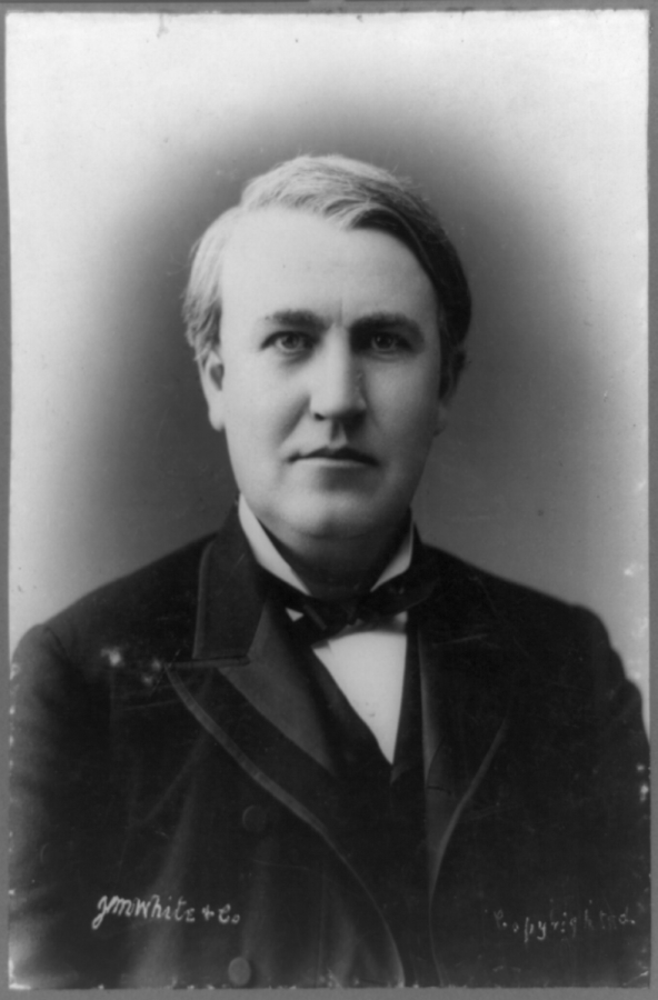 Thomas Edison had amassed a record 1,093 patents: 389 for electric light and power