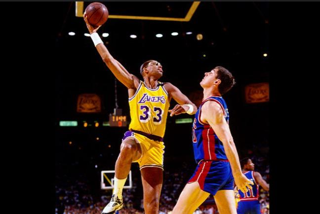 On this day in 1989 Kareem played his last regular season game in LA