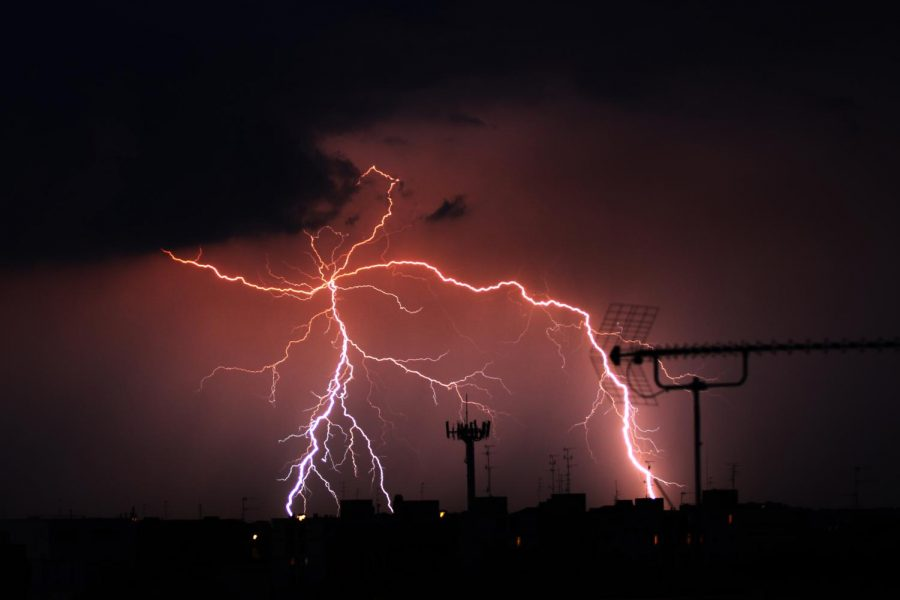 Thunderstorms usually come with rain and lightning