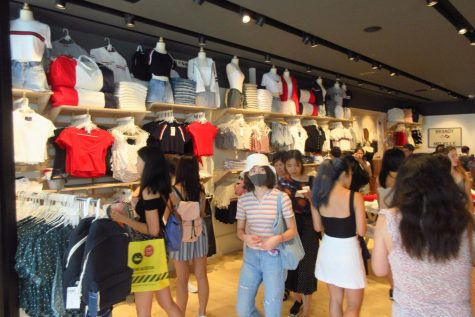 Digging through racks at their local Brandy Melville, girls shop the one-size brand. Despite the size controversy, Brandy Melville still remains one of the most popular brands of 2020.