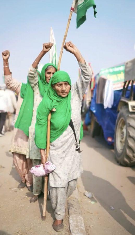 +Women+farmers+walking+through+the+protest.+