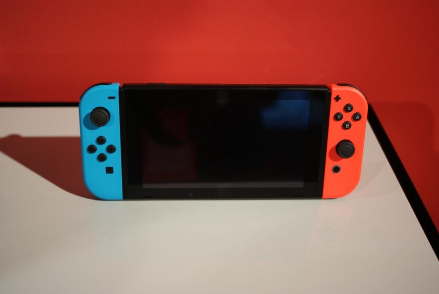 The+Nintendo+Switch+is+the+latest+consol+released+in+2017+by+Video+Game+giant+Nintendo.